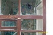 Окно санузла не имеющего входа в помещения с эпицентром