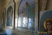 Разбитые стекла на иконах